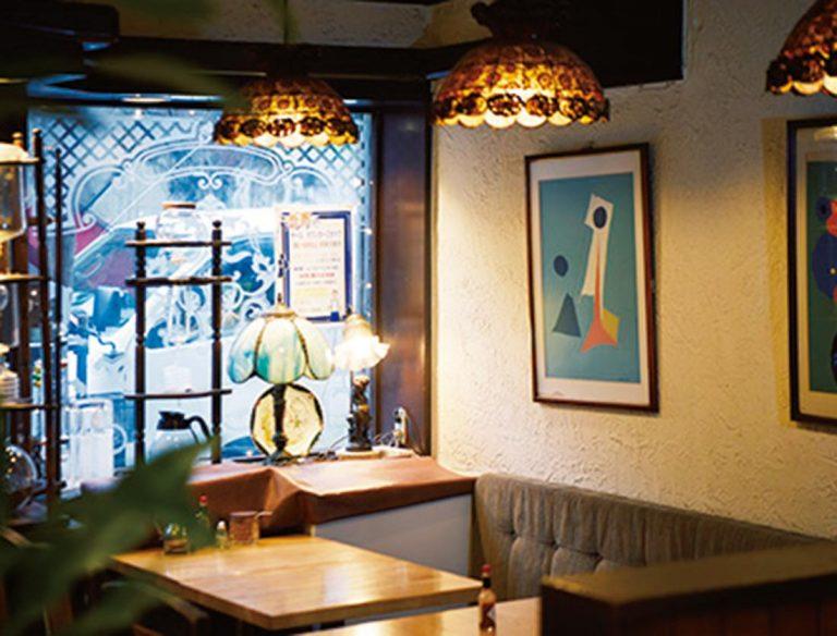 """<span class=""""title"""">café 紅鹿舎</span>"""