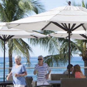 ワイキキビーチが広がる特別ラウンジで、オーシャンリゾートステイの醍醐味を味わう!