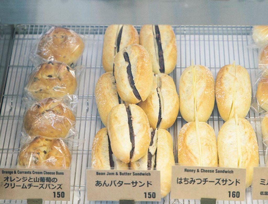 上品な焼き色のパン。