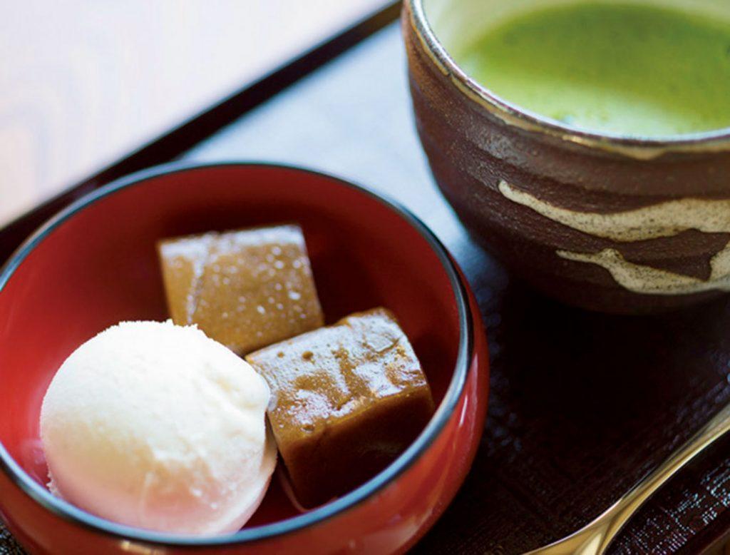 「コーヒーわらび餅&バニラアイスセット」600円(税込)