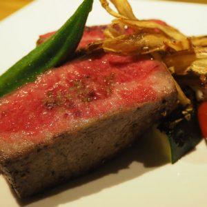 開放的なテラスと極上肉に感動!青山の路地裏に出来たばかりの〈カフェルビーオン青山〉に行ってきました。