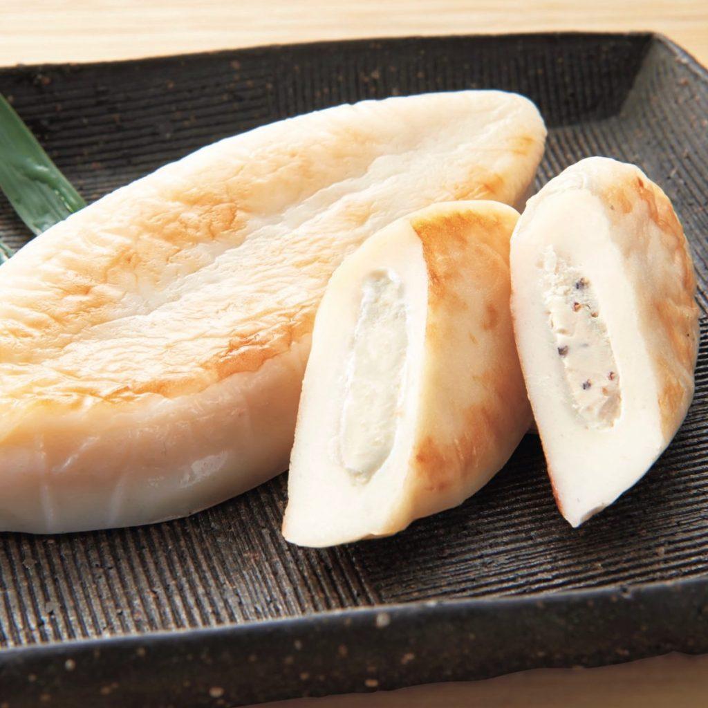 「蔵王産クリームチーズ使用オリジナル笹かまぼこ」(300円)(税込)