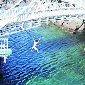 海水浴に海中温泉…東京の楽園・伊豆諸島でアクティビティを楽しみたい!