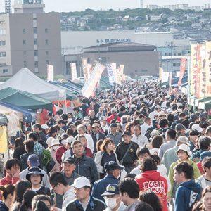 郷土料理に珍グルメ!?…何でも揃ってとにかく安い!漁港町・八戸の巨大朝市。
