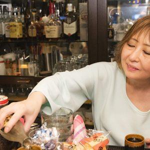 男気あふれる!?粋でいなせな中目黒〈マンダム〉の弘美ママがカッコいい!