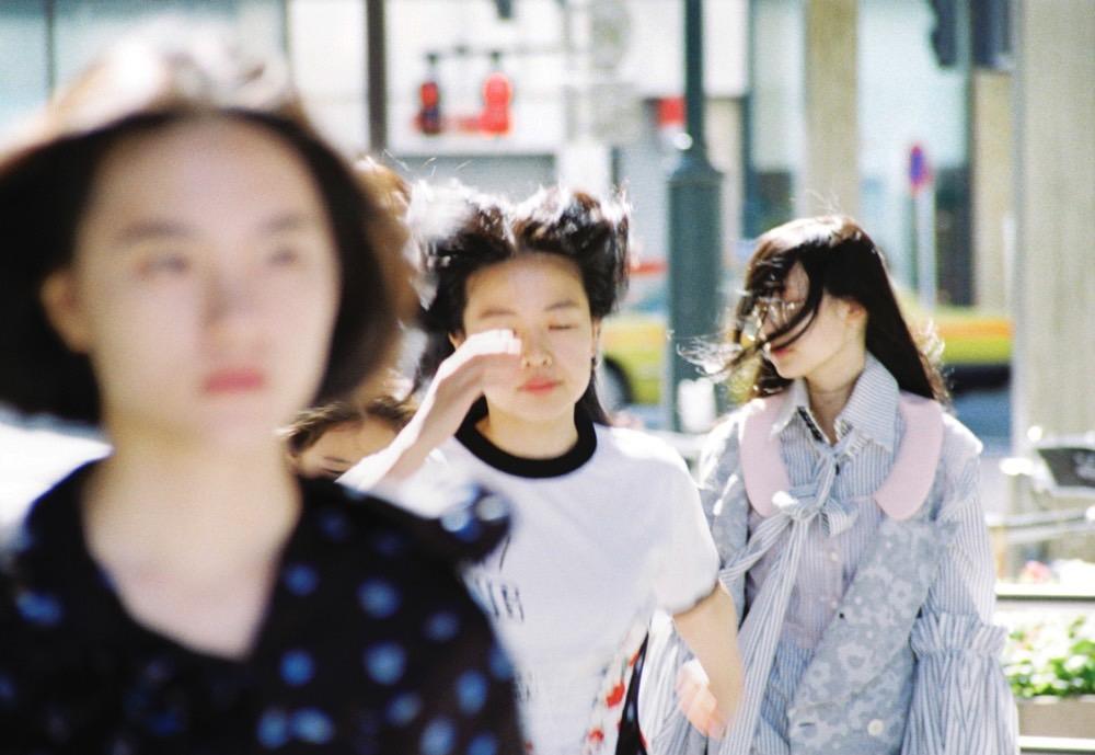 Photo by Maki Taguchi Clothes by AKIKOAOKI/ Styling by KEISUKE YOSHIDA