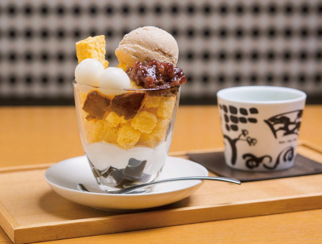 「焙じ茶パフェ」ドリンクセット 1,300円〜(税込)