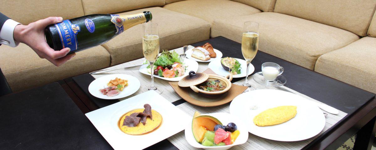 〈東京ステーションホテル〉のゲストラウンジ〈アトリウム〉が「プレミアム朝食ブッフェ」を期間限定開催!