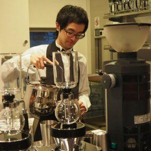 〈丸山珈琲〉が表参道に新店をオープン!初のシングルオリジンコーヒー専門店をレポート