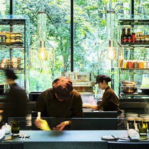 〈アマン東京〉で ワインとタパスでちょっと贅沢な秋の夕暮れを満喫