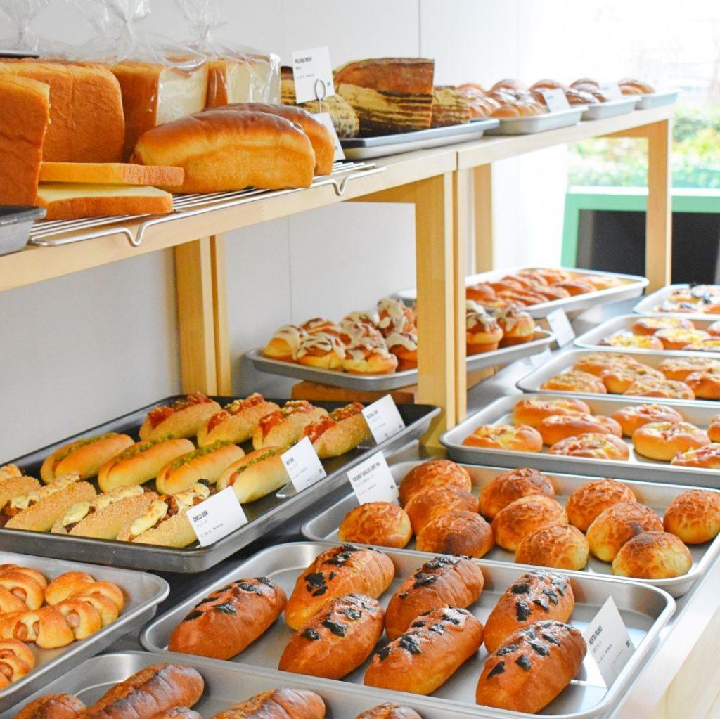 〈Pacific DRIVE-IN〉のパンもここで製造