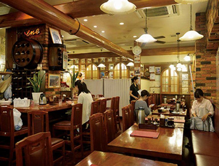 """<span class=""""title"""">鉄板焼きハンバーグの店 モンブラン 浅草店</span>"""