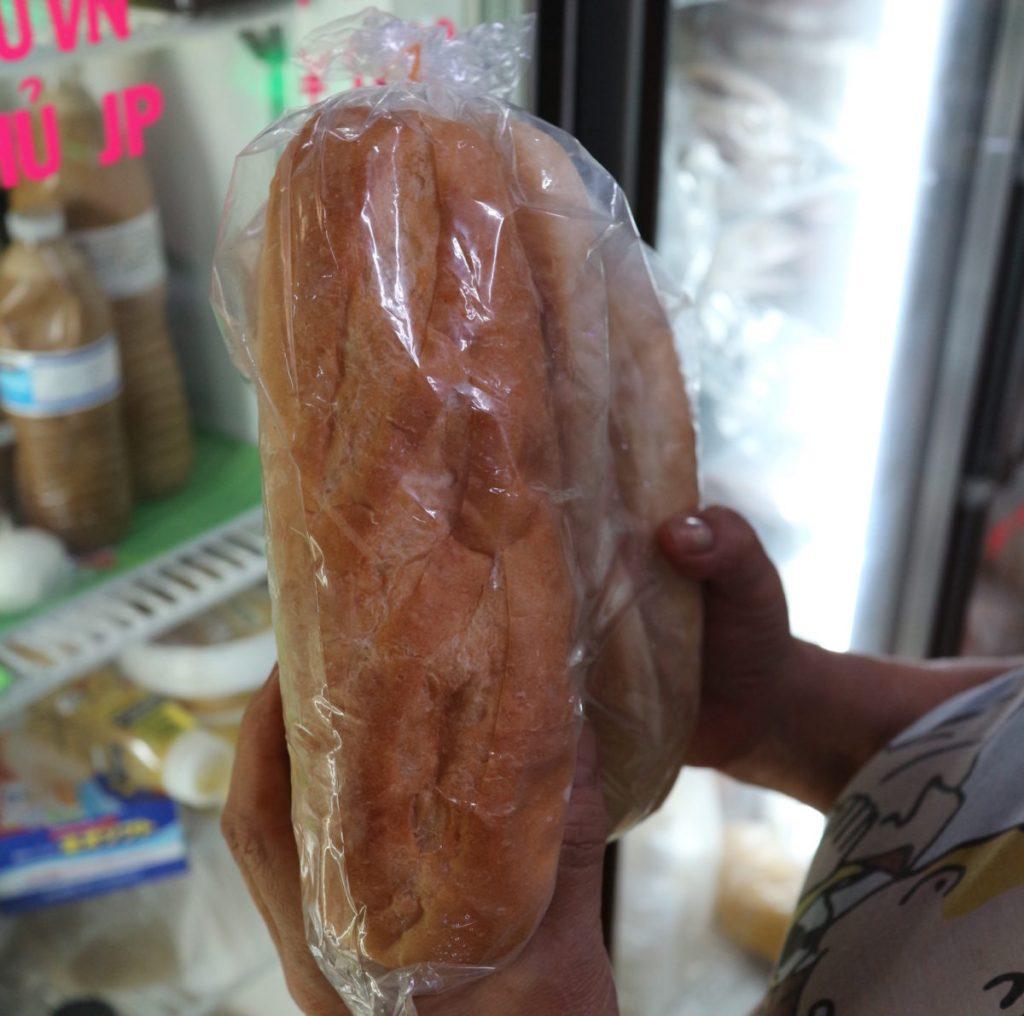 パンの仕入先に衝撃。