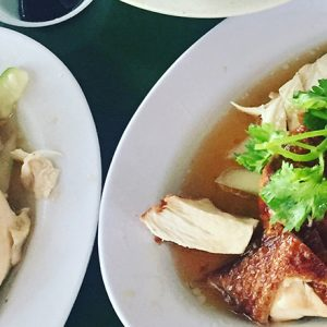 シンガポールのローカルフード「チキンライス」。本当に美味しい名店6選。【元ハナコのシンガポール書簡】