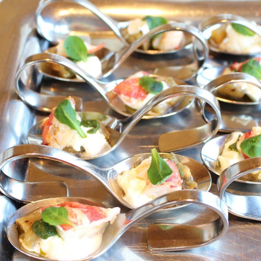 ディナーメニューの一例 「前菜〜オマール海老〜」