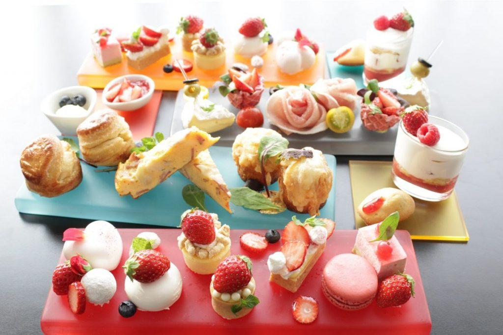1712_lg_strawberry_afternoon_tea_set