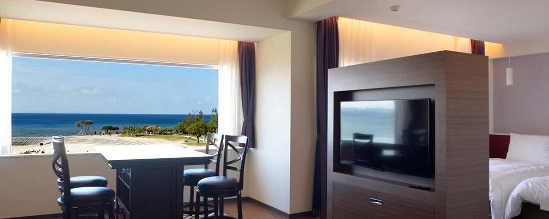 全25室はすべてオーシャンビュー!沖縄で一度は体験したい、サンセットビーチの夕景を特等席で。