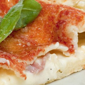 NY、LA、ナポリ…様々なスタイル続出!人気急上昇の【ピザ】専門店をチェック!