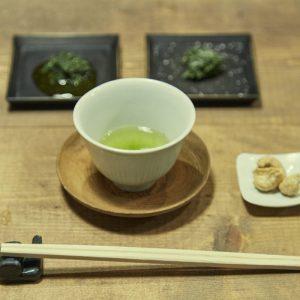 「玉緑茶 お茶うけつき」450円