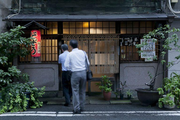 老舗から新店まで【神田】を一晩で楽しもう。個性豊かなオ ...