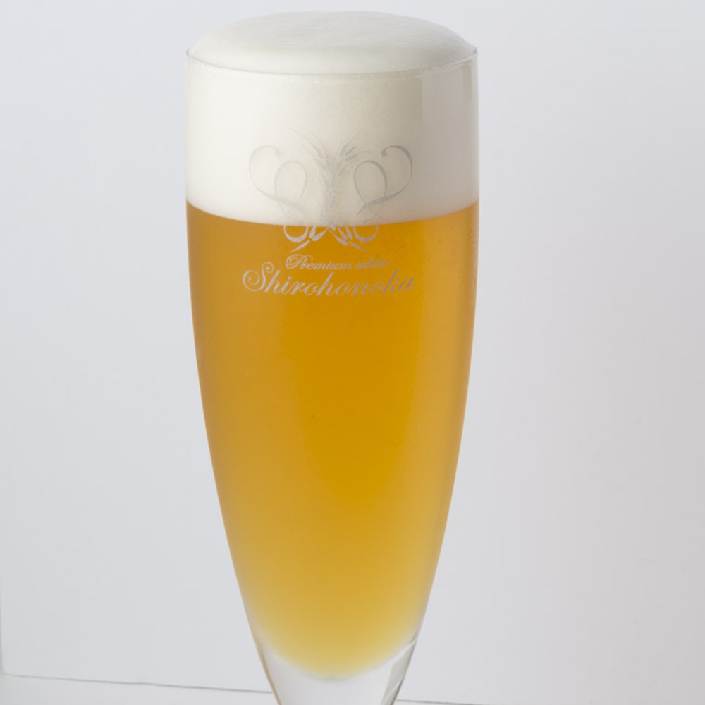 グラス620円、ボトル3,090円~