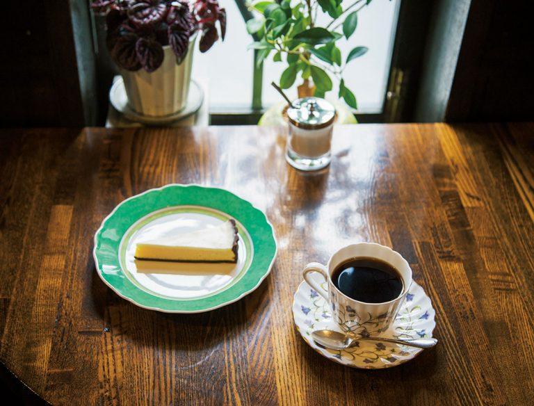 """<span class=""""title"""">Flor de Café 銀座 樹の花</span>"""