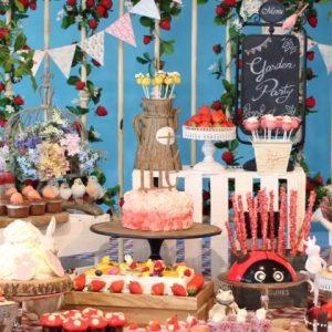 〈ヒルトン東京お台場〉のデザートブッフェ「いちごに恋するガーデンパーティー」を紹介!