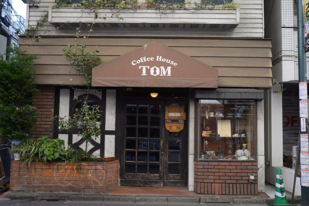 TOM018