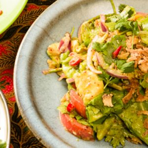 ビールに合うエスニックおつまみ!「南国サラダ」の簡単レシピ