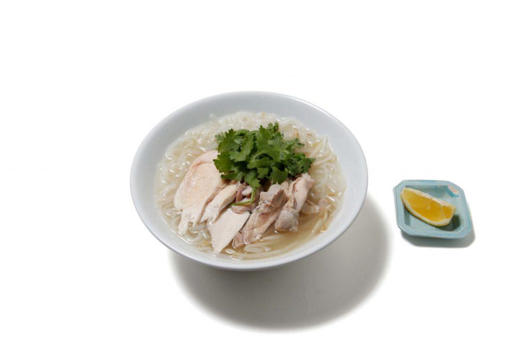 「鶏肉のフォー」800円