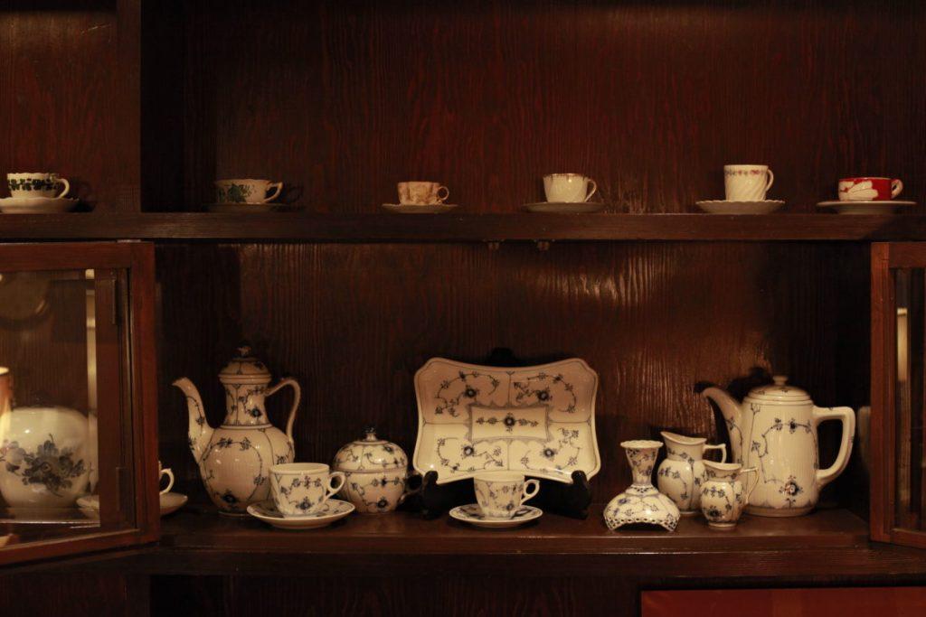 食器はリチャード・ジノリなどヨーロッパ製。