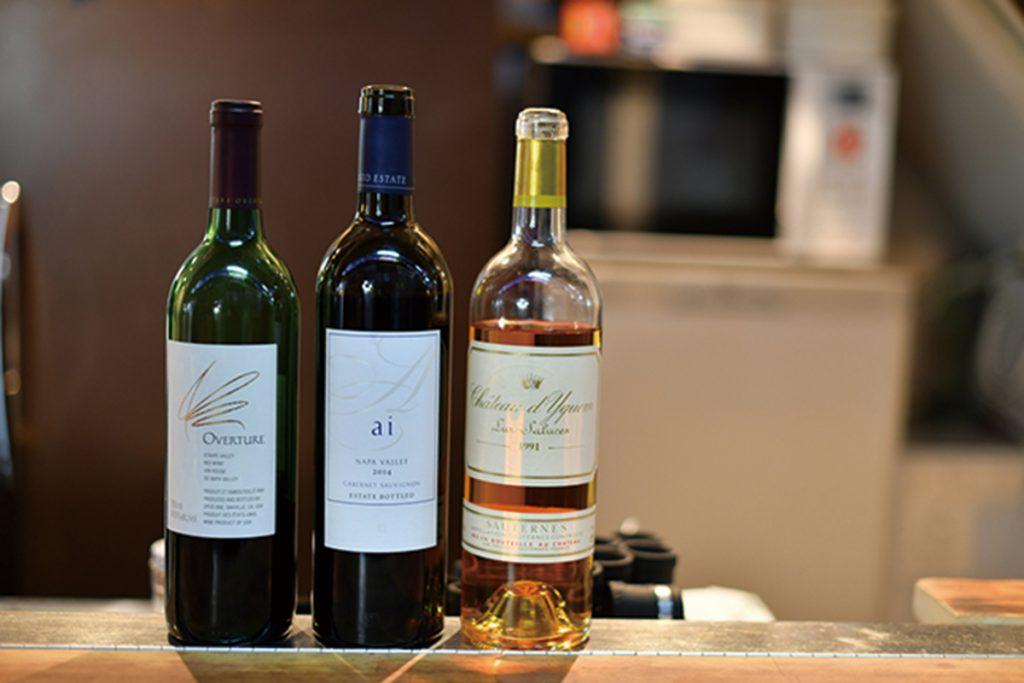 高級ワインのグラス売り(500円~)も!