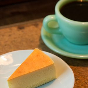 こだわりの一杯が飲める。【自家焙煎珈琲】専門店が人気の下北沢から2軒