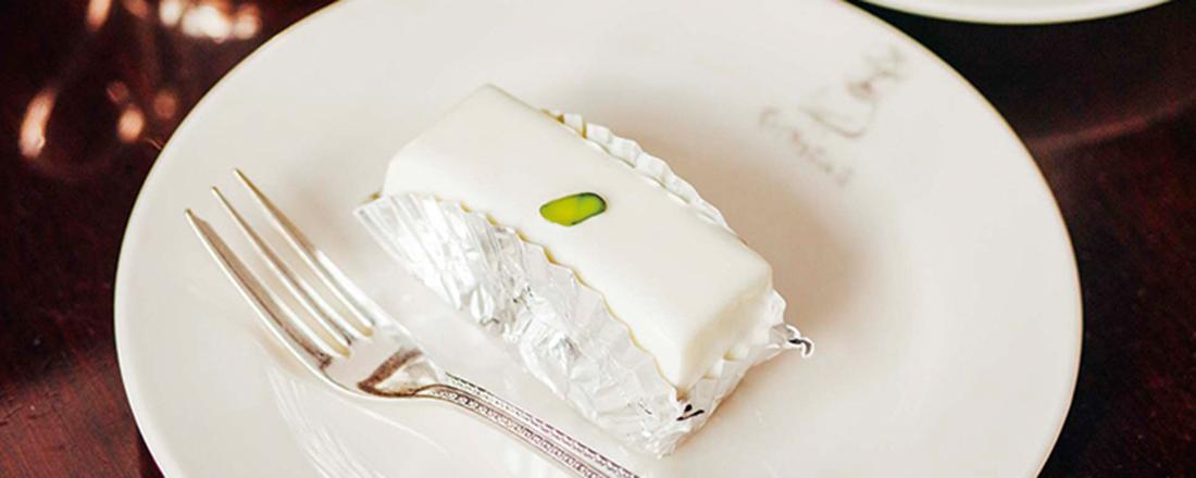 名物レアチーズケーキから大満足ポークリブサンドまで。人気喫茶4軒、必食の一皿とは?
