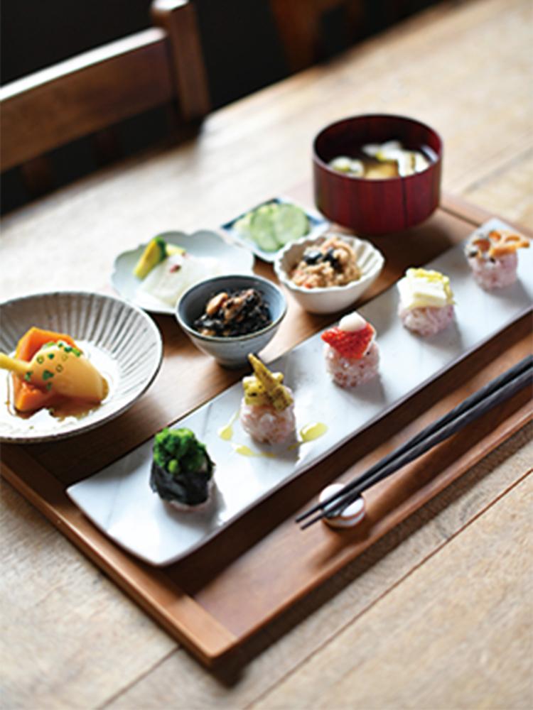 にぎり野菜寿司膳1,500円。にぎり野菜寿司の内容は季節替わり。