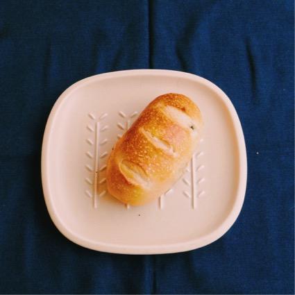 「黒豆パン」