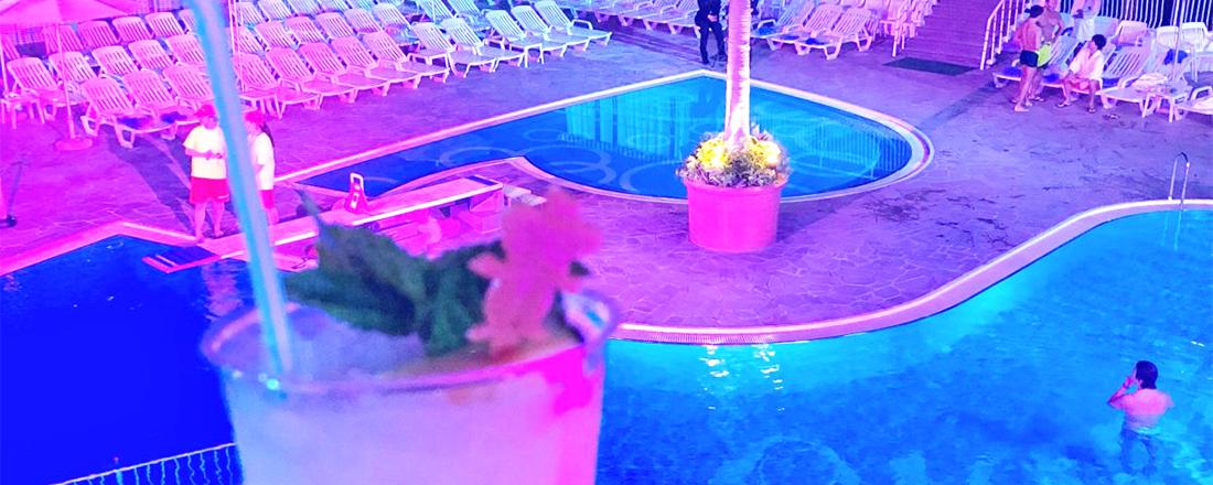 ナイトプールビアガーデンにウエディングも。〈ホテルニューオータニ〉のガーデンプールが夏に先駆け解禁!