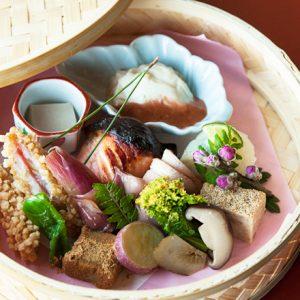 【京都】行き止まりの細い道「ろーじ」の奥にひっそり佇むおいしいお店2軒