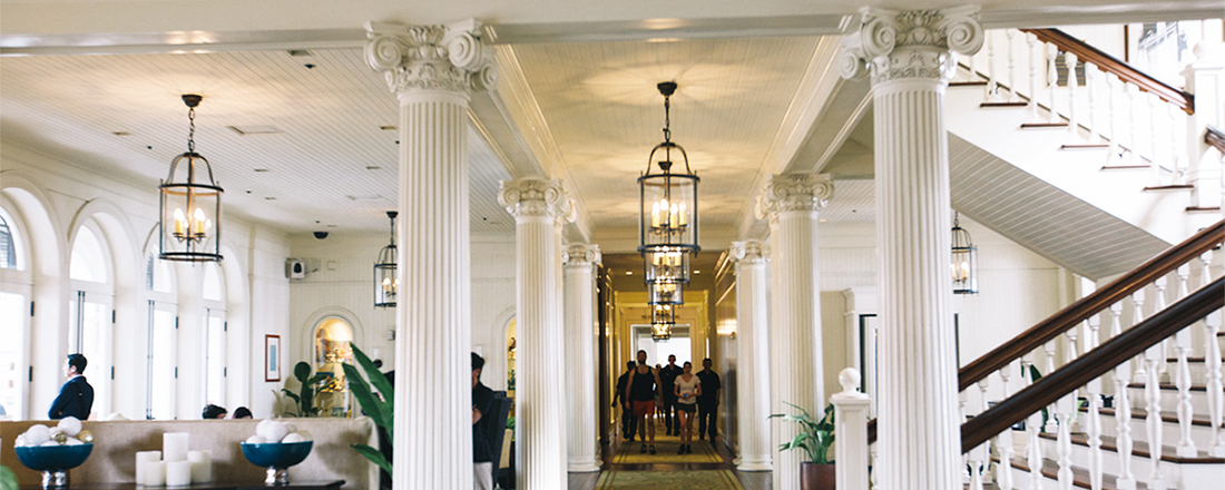 【ハワイ】憧れの白亜の宮殿ホテルでバカンスを堪能!
