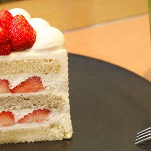 厳選素材からなる究極のショートケーキも!老舗ホテルのおすすめカフェ2軒