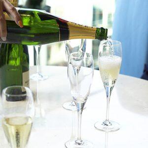 老舗デパートでのランチ、銀座のトレンドタワーのテラスでシャンパン。Hanako30周年記念「大銀座」バスツアー2日目をレポート!