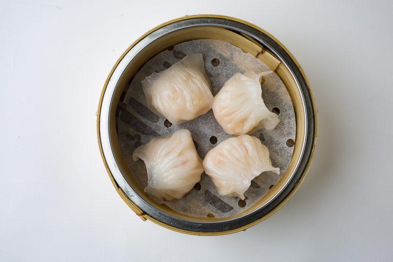 海老の蒸し餃子 580円(4個)
