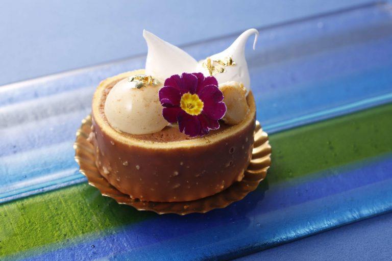 「ミルクチョコレートロールケーキ」(800 円)