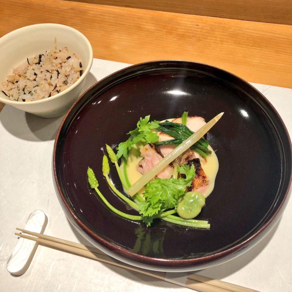 メイン(肉料理)とご飯