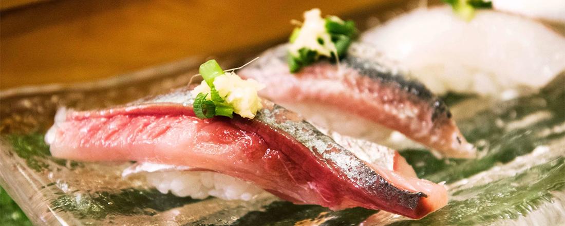 怖くないカウンター寿司入門!格別のヒカリモノを堪能できる〈鮨大前〉へ。