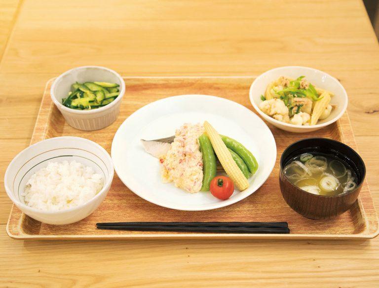 "<span class=""title"">丸の内タニタ食堂</span>"