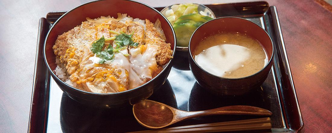 喫茶店なのにカツ丼?カフェなのに本格カレー?満腹になれる東京のカフェ&喫茶店