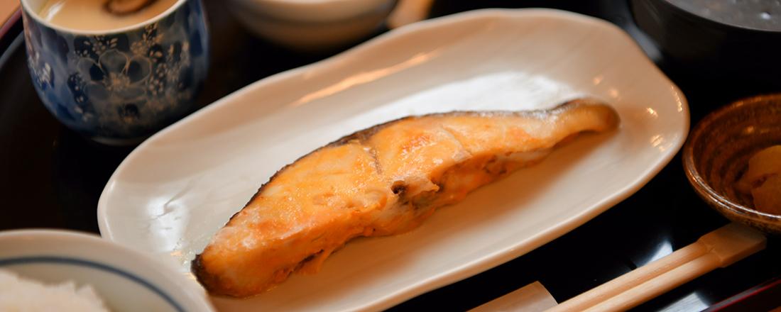 好コスパな新橋の人気店に、しゃけ専門店も!おいしい焼き魚定食が楽しめる大衆食堂2軒