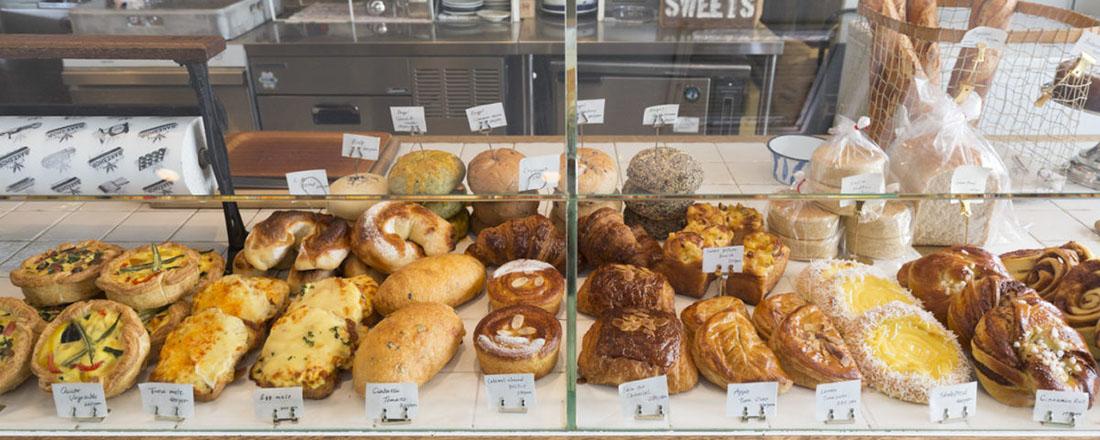 パンもコーヒーも極上!焼きたてを楽しみたい、都内のおしゃれな【ベーカリーカフェ】3選