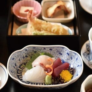 今日はちょっぴり贅沢しよう。割烹の味をランチで楽しめる東京の名店3軒